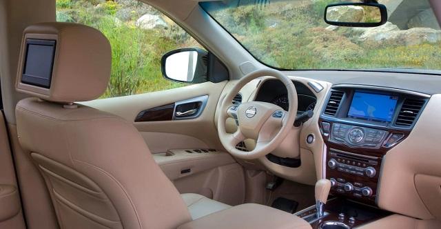 2020-Nissan-Pathfinder-interior