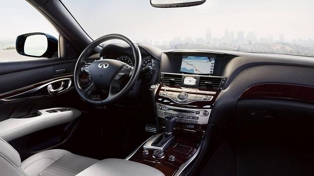 2021 Infiniti Q70 interior