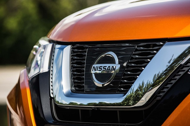 Nissan-Grille.jpg