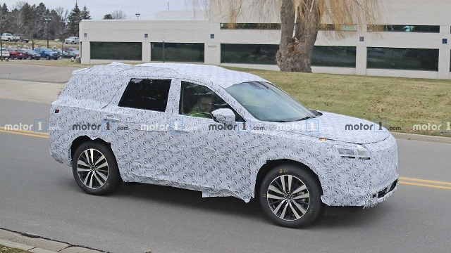 2022 Nissan Pathfinder Spy photo